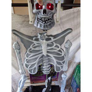 All hallows Eve electronic shaking skeleton Hallow